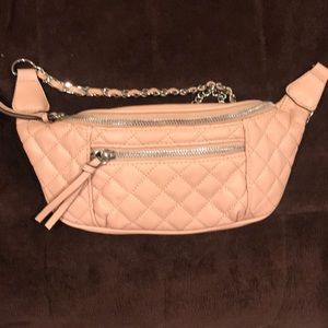 Pale pink Express quilted belt bag